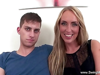 Blonde get hitched copulates bbc of hubby