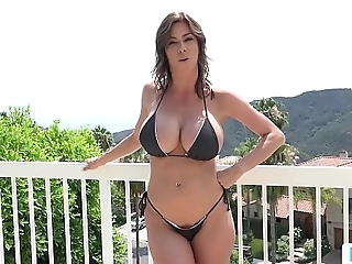 Stepmom alexis fawx uses stepson involving fulfill her lecherous needs