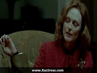 Julianne moore along to dominating materfamilias