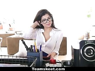 Cfnmteens - horn-mad secretary bonks the brush boss!