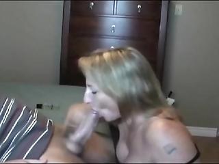 Sexy liven up milf sucking!!!