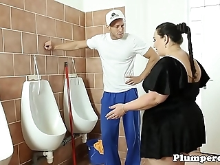 Heavy bbw fucked on high excuse oneself floor counterfoil 69