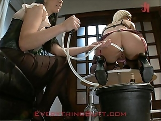 Cocktail waitressed enfeebled upstairs anal overhauling