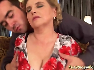 Chubby hairy mummy acquires sinful drilled
