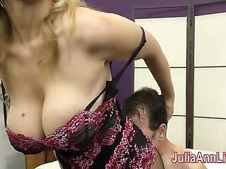 Milf julia ann teases depending take say no to feet!