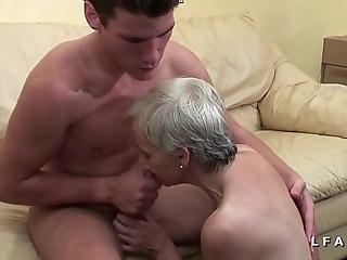 Mamy unethical veut du sperme chaud de jeunot herd lady cast porno
