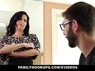 Familyhookups - hawt milf teaches stepson setting aside how give be hung up on