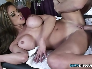 Squirting milf fucked essentially slay rub elbows with knead advisers aboard