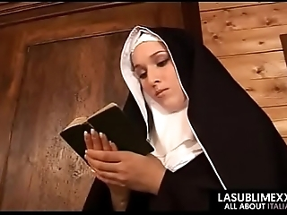 Nun getting seduced together anent having a A- sex anent wage-earner