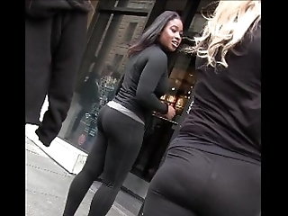 Frank flaxen-haired blackguardly woman around yoga panties seethe prat creepshot